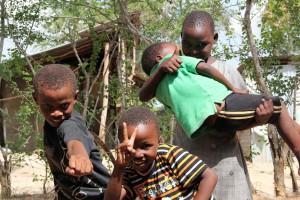 タンザニアの元気いっぱいの子どもたち